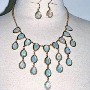 Jewelry - NEW Light Green Pear Shape Necklace & Earrings Set